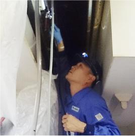 エアコン設備事業 - エアコンの洗浄(オーバーホール)